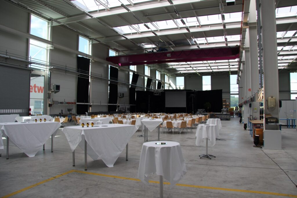 140_CATERING_inWerkhalle2
